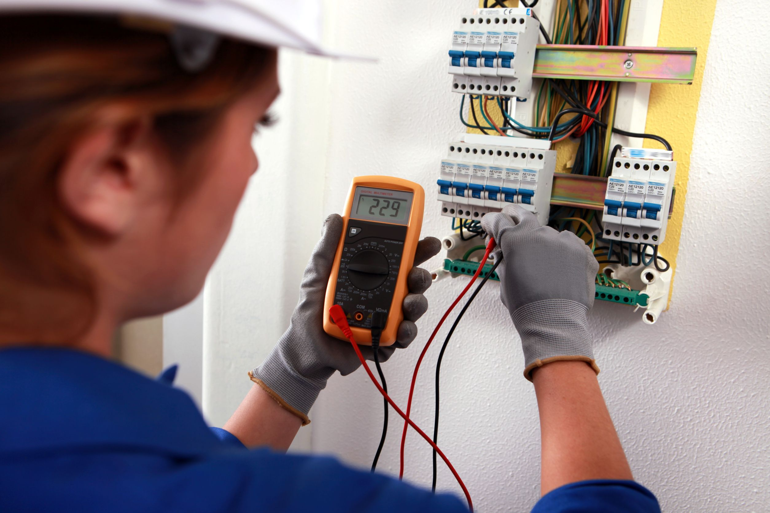 electrical energy in the home engineering essay Specialising in energy engineering with a focus on clean and renewable energy technologies for over a decade, our programmes are well established in providing graduate engineers to the sector.